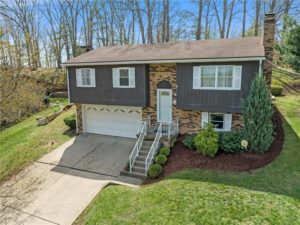 219 Columbia Dr in Center Twp - BEA